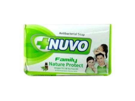 Sabun Nuvo Family, adalah sabun yang aman di pakai semua keluarga, dengan 3x perlindungan , kuman mati. Anti bacterial.   Sabun perawatan kesehatan keluarga  Membunuh kuman sampai 99%  Mengurangi bau badan dan rasa gatal pada kulit  Memberikan kesegaran l