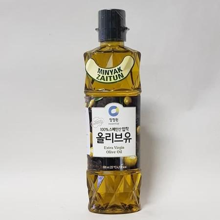 Daesang Extra Virgin Olive Oil 500ml   Daesang Minyak Zaitun 500 ml. Produk extra virgin olive oil berwarna kehijauan dan memiliki aroma serta rasa yang jauh lebih tajam.