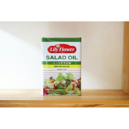 Lily Flower Salad Oil merupakan minyak yang dapat digunakan untuk mengolah menu masakan Anda. Minyak ini juga cocok dijadikan sebagai bumbu saus salad agar menjadi lebih nikmat. Detail: - Minyak - Digunakan untuk memasak, memanggang, menggoreng - Cocok di