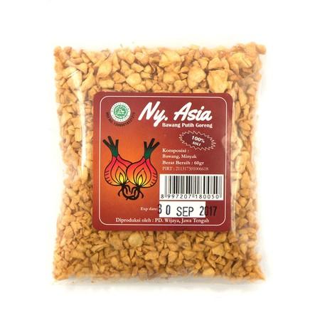 Bawang Putih Goreng Ny. Asia Taburan bawang putih potongan halus yang bisa melezatkan berbagai jenis masakan Kalimantan Barat, seperti Choipan, Kincipan, Rujak Buah Singkawang, dsb