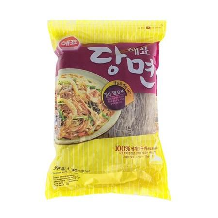 Sajo Dangmyeon Korean Vermicelli Makanan Instan [500 gr] merupakan soun korea yang terbuat dari bahan alami yaitu pati kentang tanpa pengawet & pewarna. Bertekstur lembut dan halus serta diproses menggunakan formula terbaru dengan teknologi canggih, serta