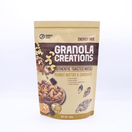 Granola Dan Granobar Adalah Snack Dan Sereal Sehat Kekinian Yang Terbuat Dari Bahan2 Alami Dan Berkualitas. Cocok Untuk Gaya Hidup Masa Kini Yang Praktis Namun Tetap Sehat.     Spesifikasi Produk: Isi Produk : 60 Gr Varian : Peanut Butter&Chocolate Kelebi