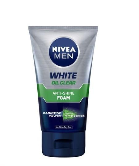 Nivea Men White Oil Control Foam merupakan sabun muka Wajah bebas minyak, Pori kulit lebih bersih & kecil dan Kulit menjadi cerah.