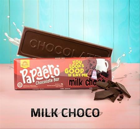 Terbuat dari 100% coklat putih. Dengan komposisi yang pas, menikmati cokelat putih Papaero adalah pilihan yang tepat saat bersantai.