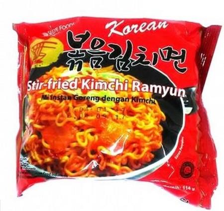 Ramen tanpa kuah (goreng) dengan rasa Kimchi Korea. Rasa Kimchi yg kuat membuat mie ini mempunyai cita rasa Korea yg sangat unik dgn bumbu yang enak. Varian goreng yang umum di lidah Indonesia.