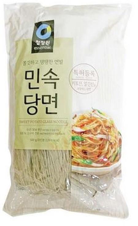 Soun korea terbuat dari bahan alami yaitu pati kentang tanpa pengawet & pewarna. Cocok untuk segala masakan berbahan soun