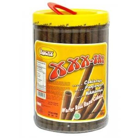 Rocky Xtra Chocolate Wafer Stick [620 g] merupakan wafer roll dengan rasa cokelat yang lezat dan wafer yang gurih, sangat cocok nikmati saat kumpul bersama keluarga. Selain itu bisa juga untuk topping di eskrim dan juga hiasan kue.