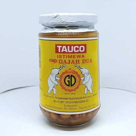 Tauco Cap Gajah 400gr. Tauco terbuat dari pasta kedelai yang berfungsi sebagai penyedap masakan alami. Umumnya, bumbu masakan ini digunakan dalam berbagai olahan masakan Jawa dan Sunda. Meski ada juga versi tauco lain yang berasal dari Kalimantan dan Suma