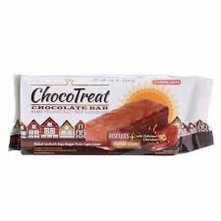 Kombinasi biskuit dan wafer yang renyah berpadu krim keju dan coklat yang lezat memberikan perpaduan yang istimewa di lidah Anda.