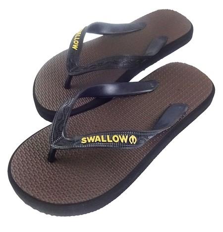 Slipper Swallow adalah Alas kaki berbahan karet yang lentur dan nyaman untuk keperluan sehari hari dengan warna Coklat menarik, size 10.5