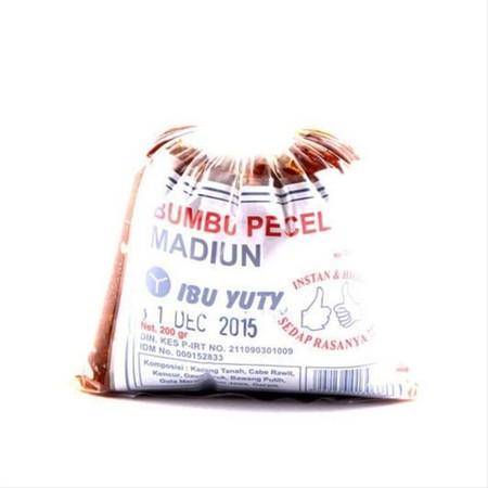 Bumbu pecel yang praktis, enak dan gampang buat nya. Buatan asli Madiun dengan bahan pilihan berkualitas. Cukup ditambahkan air panas dan sambel pecel Madiun dapat dinikmati bersama dengan keluarga.