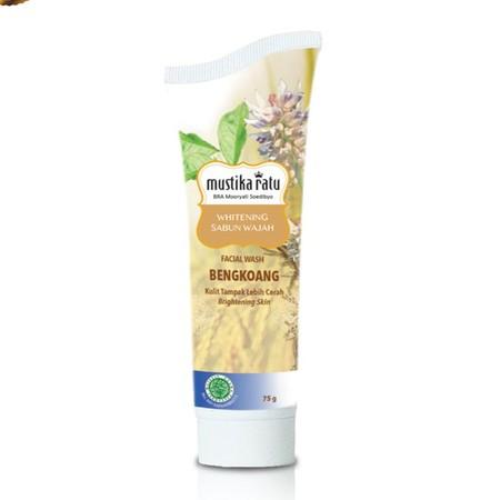 Mustika Ratu Sabun Wajah Bengkoang Whitening 75 gr Dengan busa halus dan scrub lembut mengandung bahan alami sari bengkoang dan akar manis. Sabun wajah bengkoang whitening untuk membantu mengangkat kotoran, menghaluskan kulit dan membuat kulit tampak lebi