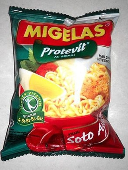 Mi Gelas soto ayam made of natural ingredients and free of artificial MSG, food coloring and preservatives and containing Protevit.