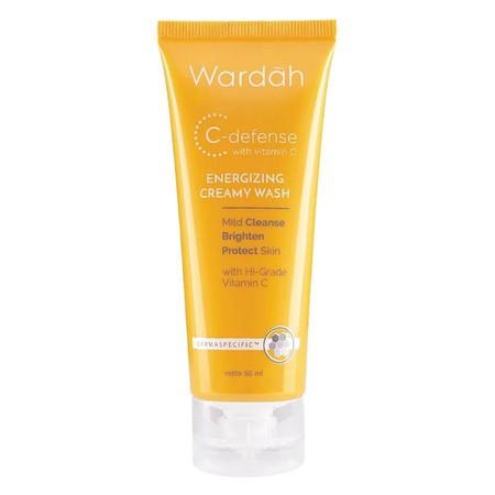 Pembersih wajah yang mild dan fresh. Bekerja dengan 3 aksi jitu , mengandung Antioksidan Hi-Grade Vitamin C & Active Moist complex . Busa lembut berlimpah bantu angkat kotoran, makeup dan minyak berlebih di wajah. Kulit tampak lebih cerah dan terjaga kele