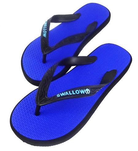 Slipper Swallow adalah Alas kaki Pria berbahan karet yang lentur dan nyaman untuk keperluan sehari hari dengan warna Biru menarik, size 10