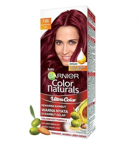 Ultra Color adalah pewarna rambut terbaru dari Garnier, yang dilengkapi dengan Colorboost Formula sehingga warna rambut akan tampak menyala bahkan di rambut gelap! Selain itu, Ultra Color juga dilengkapi dengan 3 Natural Oils dan conditioner untuk menutri