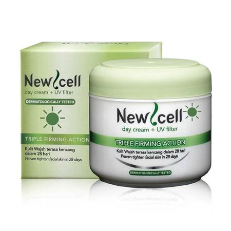New Cell Day Cream menjadikan kulit wajah tampak lebih kencang dalam 28 hari. Triple Firming Action membantu meremajakan / memperbaiki struktur kulit, meningkatkan kelembaban kulit, serta menyamarkan kerut wajah.