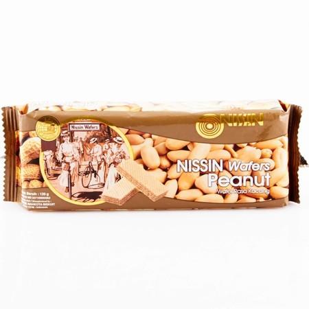 wafer yang memiliki tekstur renyah dengan rasa kacang yang nikmat, sehingga ideal dijadikan cemilan saat santai Anda bersama keluarga.