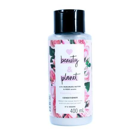 Jaga rambutmu agar tetap sehat berkilau, termasuk rambut yang diwarnai. Dilengkapi dengan kandungan bahan alami Amazonian Murumuru Butter yang menutrisi rambut agar rambut tampak sehat, dan keharuman bunga Bulgarian Rose yang lembut dan menyegarkan, dari