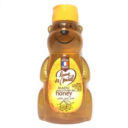 Lune De Miel Mild Pure Bee Honey 250 Gr, Madu Alami Yang Merupakan Madu Asli. Mengandung Vitamin Dan Memiliki Rasa Floral Alami Yang Manis Namun Tidak Terlalu Manis, Serta Berkhasiat Untuk Menghilangkan Rasa Letih Dan Menjaga Kesehatan Tubuh Anda.