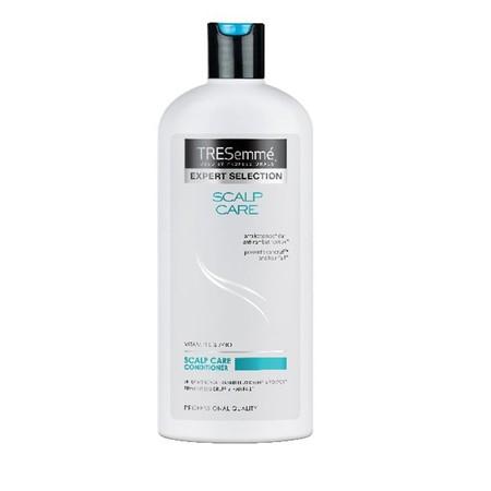 Tresemm Scalp Care, Shampoo Yang Memberikan 2 Manfaat Sekaligus Yaitu Untuk Mencegah Ketombe Dan Rambut Rontok. Ketombe Sendiri Dipicu Oleh Pertumbuhan Jamur Dan Bakteri Yang Menyebabkan Sel-Sel Kulit Kepala Cepat Mengelupas, Sehingga Membuat Kulit Kepal