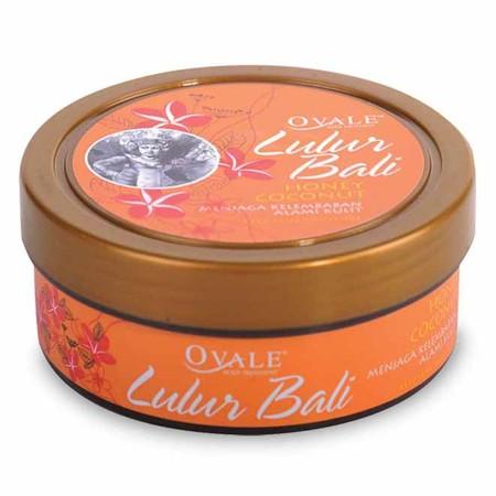 Ovale Lulur Bali dengan natural scrub yang lembut untuk mengangkat sel kulit mati dan kotoran diperkaya dengan natural aromatic oil yang memberikan sensasi menenangkan