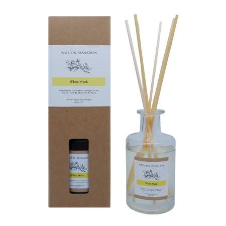 Diffuser dengan aroma mewah lengkap dengan Tongkat Reed Rotan, Minyak Esensial yang wangi, botol kaca dan kotak produk yang cantik.  Pengharum Udara cocok digunakan disegala ruangan  Brand: OKIDOKI Materials: solvent, fragrance, additive, with 12% premium fragrance Product Size: 200 ML varian: White Musk