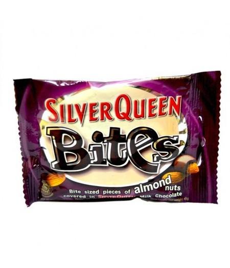 Silver Queen Bites Almond Nut 45Gr Silver Queen Bites Almond Nut 45GrAdalah Cokelat Dengan Perpaduan Pas Antara Coklat, Susu, Dan Kacang Almond Di Dalamnya Yang Menghasilkan Pengalaman Makan Cokelat Yang Akan Membuat Ketagihan. Nikmati Manisnya Cokelat