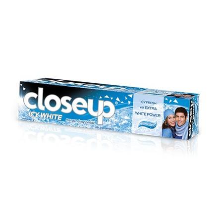 Menyikat Gigi Bukanlah Hanya Tentang Menjaga Gigi Agar Tetap Sehat Setiap Hari. Menyikat Gigi Saat Ini Juga Tentang Menjalani Hidup Penuh Percaya Diri Dengan Napas Segar Sepanjang Hari. Dengan Napas Segar Sepanjang Hari, Pesona Diri Kita Akan Menebar Deng