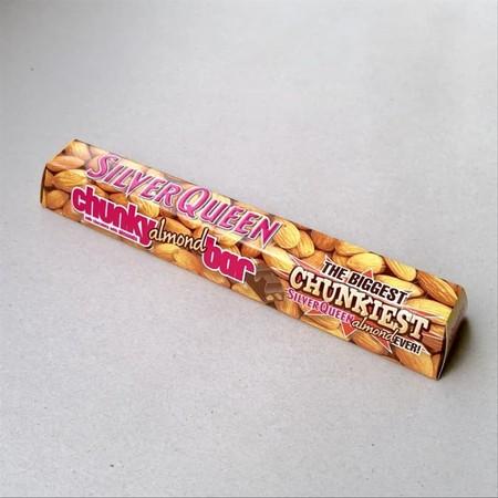 Silverqueen Chunky Bar Almond 100GR adalah salah satu varian coklat Silverqueen Chunky Bar, inovasi baru yang memberikan kelezatan dalam potongan coklat yang lebih besar. Kelezatan Silverqueen chocolate ini dihasilkan dari perpaduan yang pas antara coklat
