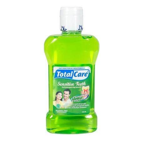 Dengan kandungan Peppermint sebagai perlindungan total untuk nafas segar & mulut bersih dan mengandung Anti Bacterial Alami Tea Tree Oil di semua varian, dapat membunuh 99% bakteri yang ada dimulut sehingga kebersihan mulut terjaga. Membantu menjaga gigi