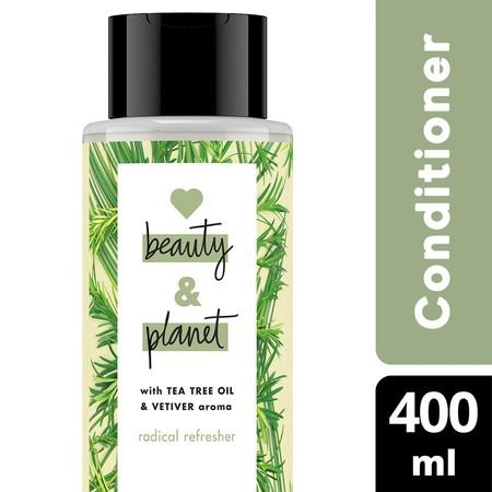 Radical Refresher conditioner membersihkan rambut secara menyeluruh, membuatnya tampak lebih bervolume. Dilengkapi dengan kandungan bahan alami Australian Tea Tree Oil dan keharuman Vetiver yang mewah dan menyegarkan.