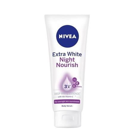 Nivea Extra White Night Nourish memiliki Kandungan: White Bio Active dan Vitamin C dari Eksrtak Berry dapat memberikanmu keefektifan Triple Whitening sehingga kulit tampak lebih cerah dan tidak kusam. Mela-control complex yang mampu mengurangi proses pigm