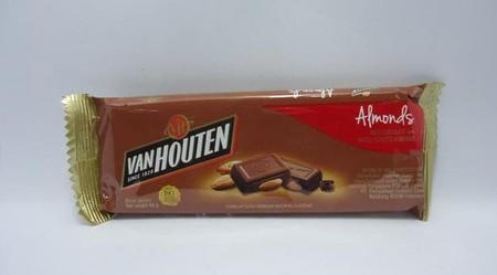 Coklat premium yang lezat. Sangat praktis untuk dikonsumsi. Memiliki nilai gizi yang tinggi
