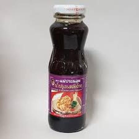 Mae Pranom Pad Thai Seasoning Sauce Produk impor dari Phiboonchai Maepranom, Bangkok-Thailand Saus bumbu untuk tumisan Pad Thai (mie goreng Bangkok), tuangkan secukupnya ke dalam mie saat digoreng. Menjadikan mie Pad Thai semakin lezat dan terasa aroma kh