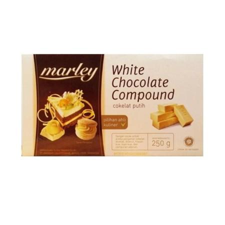 Marley white chocolate compound yaitu cokelat batangan yang berwarna putih mengandung cokelat batangan yang berwarna putih dan cocoa butter. Cokelat jenis ini baik digunakan untuk kue, cake, praline dan aneka makanan ringan lainnya.