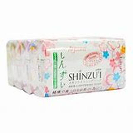 Shinzui Bar Soap merupakan sabun batang yang dapat membantu melembabkan dan mencerahkan kulit yang kusam dengan Herba Matsu-Oil yang bisa membantu mengubah pigmen melamin penyebab warna kulit gelap, menjadi leuko-melamin yang lebih cerah.