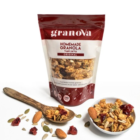 This Hearty Mix Of Oats, Nuts, Seeds And Dried Fruits Is Baked To Crunchy Perfection. Each Granola Flavor Is Handcrafted With No Preservatives, Artificial Coloring Or Flavoring