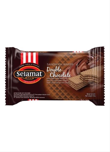 snack wafer dengan lapisan krim coklat yang tebal. rasa coklatnya seperti tidak akan putus.
