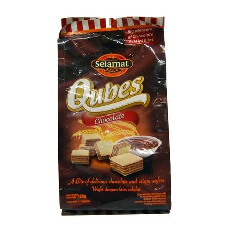 Selamat Qubes hadir dengan rasa coklat yang nikmat dan tekstur renyah dalam setiap gigitannya. Cocok sebagai makan ringan di saat santai dan dinikmati bersama teh atau kopi.