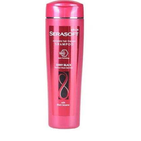 Serasoft Shampoo Shiny Black merupakan shampo yang memiliki kandungan DGA serum dengan teknologi Jepang yang menutrisi dari dalam yang dapat merawat kekuatan helai rambut. Shampo ini dapat mengembalikan warna hitam rambut dan memberikan kilau rambut yang