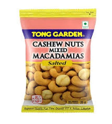Tong Garden Salted Macadamia 35gr merupakan makanan ringan yang terbuat dari kacang macadamia yang ditaburi garam menghasilkan kombinasi gurih asin dan renyah. Terbuat dari kacang macadamia berkualitas tinggi dan diproses secara modern dan higienis mencip