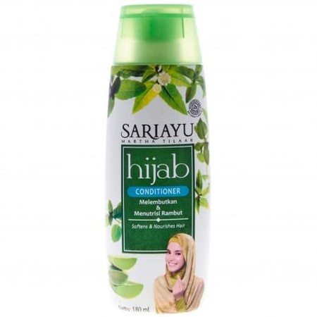 Sariayu Hijab Conditioner merupakan conditioner dengan kandungan lidah buaya, urang aring, daun mangkokan, cabe rawit dan daun mint yang diformulasikan untuk melembutkan, menutrisi dan menjaga kekuatan batang rambut.