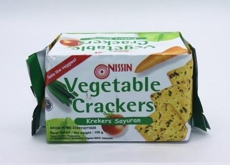 Nissin green Biz Crackers Daun Bawang 120gr adalah biskuit renyah yang terbuat dari bahan-bahan pilihan sehingga memiliki citarasa lezat dan nikmat. Biskuit ini juga terasa lebih mantap jika dinikmati bersama kopi, teh, atau susu kesukaan Anda di pagi ata
