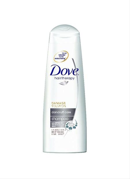 Dove Dandruff Care Sampo Dengan Zpto Dan Micro Moisture Serum. Terbukti Secara Klinis Mengurangi Ketombe Dan Merawat Permukaan Rambut Agar Tetap Halus Dan Lembut.