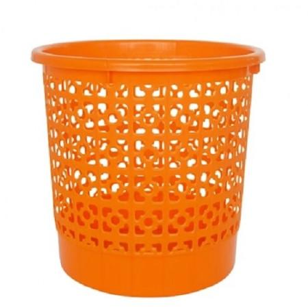 Kiramas Waste Bin. Clover Wire trash bin. Suitable to be placed under office desk as a paper bin.