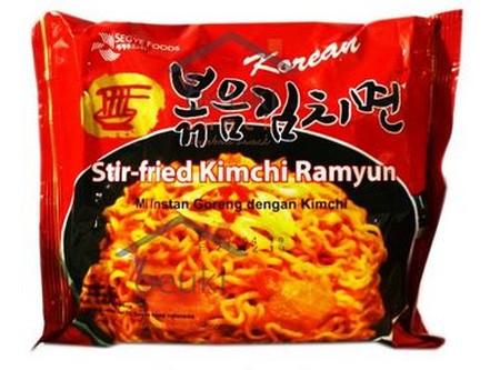 Ramen klasik berkuah kental dgn rasa Kimchi Korea yg kuat. Sangat khas dan berempah.