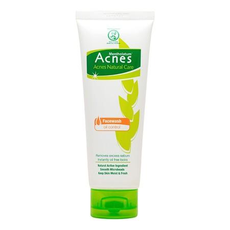 Acnes Face Wash Oil Control 100G Merupakan Salah Satu Rangkaian Produk Perawatan Wajah Dari Acnes Yang Bekerja Membersihkan Wajah Dari Minyak Berlebih. Sabun Pembersih Wajah Dari Acnes Ini Mengandung 8 Ektrak Tanaman Pengurang Minyak Berlebih Dan Mencegah