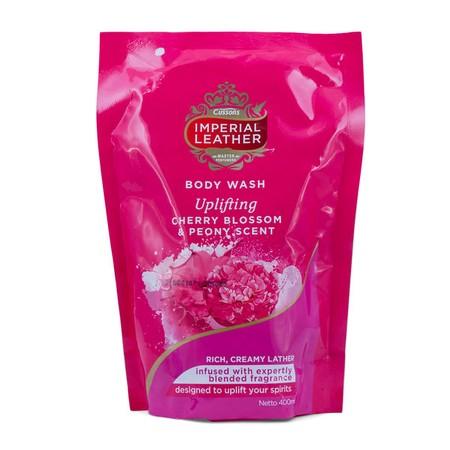 Dengan keharuman mewah yang tahan lama Cherry Blossom & Peony Scent, Cussons Imperial Leather Body Wash Relaxing setia menjaga kelembaban kulit Anda sekeluarga.  Diperkaya dengan kandungan Triple Moisturising Complex (Glycerine, Lactic Acid dan Polyquarte