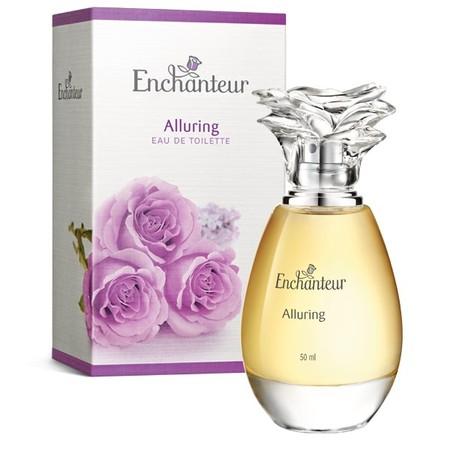 Wewangian memukau tahan lama yang merupakan paduan ekslusif wangi khas Bergamot, Passion Fruit, Rose, dan Iris